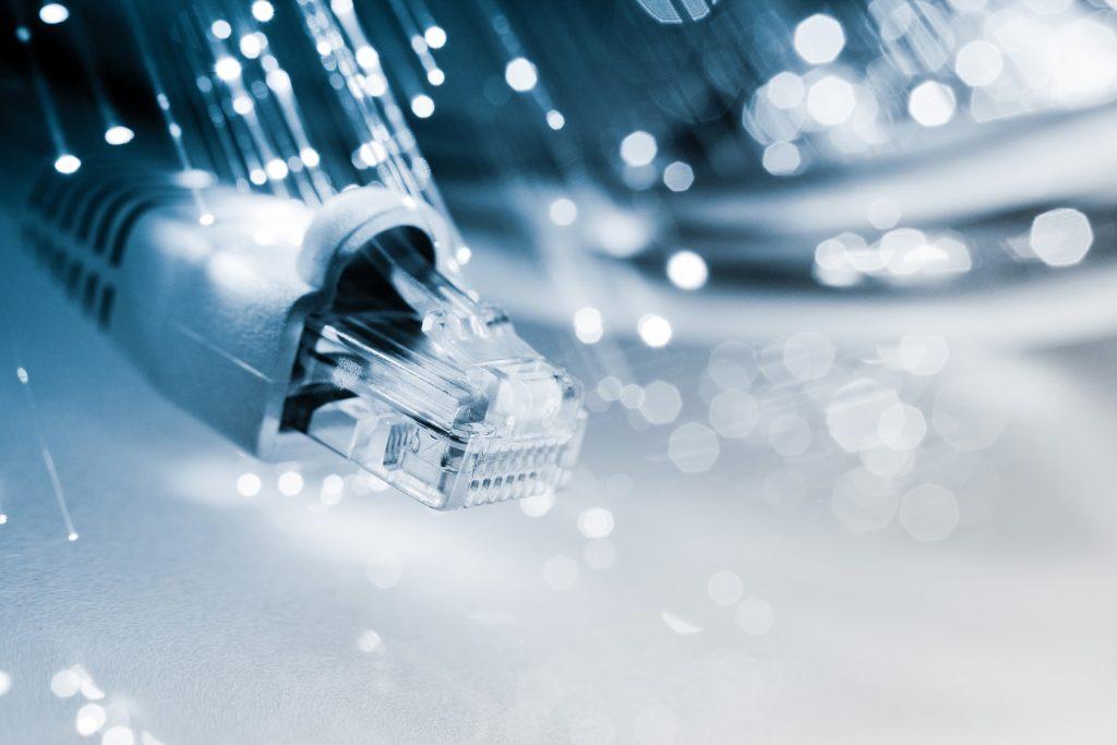 電話回線の提供サービス2:インターネットにも使われている!